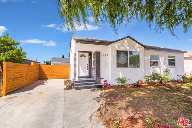 2333 Rochelle Avenue, Monrovia, California 91016, 3 Bedrooms Bedrooms, ,1 BathroomBathrooms,Residential,For Sale,Rochelle,21714778