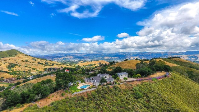 1586 Brewster Lane, Morgan Hill, CA 95037