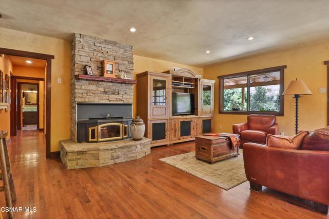16. 202 Sundown Road Thousand Oaks, CA 91361