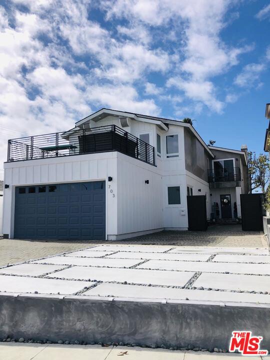 703 PAULINA Avenue, Redondo Beach, California 90277, 4 Bedrooms Bedrooms, ,4 BathroomsBathrooms,For Rent,PAULINA,21700214