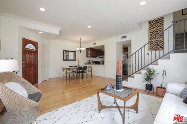 715 E Angeleno Avenue 105, Burbank, CA 91501