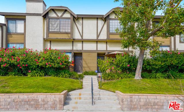 21153 LASSEN Street 4, Chatsworth, CA 91311