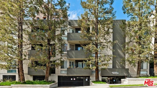 10535 ASHTON Avenue 102, Los Angeles, CA 90024