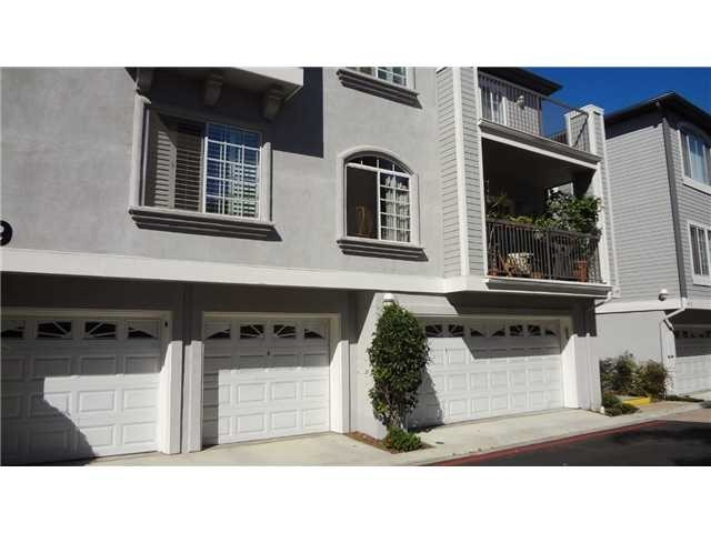 Beautiful Condo in La Jolla next to everything! Shopping, dining, grocery stores.  Clean, freshly painted, all stainless steel appliances, stone counter-tops extra storage galore!  Comes with 2 separate garages, one with a large room for extra storage.  Neighborhoods: La Jolla Complex Features: ,
