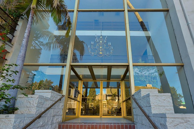 4445 Cartwright Avenue 216, Toluca Lake, CA 91602