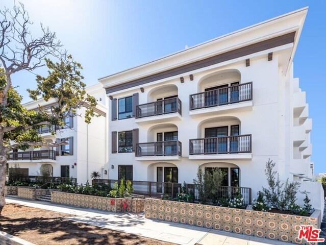 1819 kelton, Los Angeles, California 90025, 3 Bedrooms Bedrooms, ,3 BathroomsBathrooms,Residential,For Rent,kelton,19482166