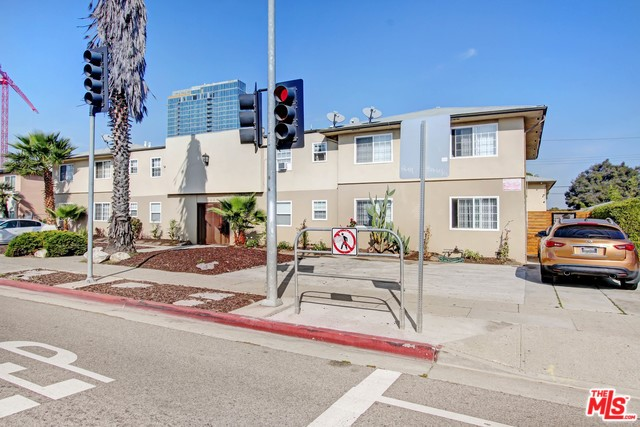 5665 W JEFFERSON, Los Angeles, CA 90016