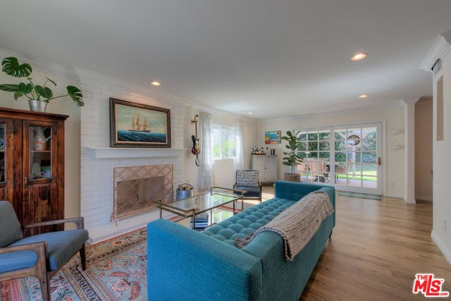 6447 ELLENVIEW Avenue, West Hills, CA 91307