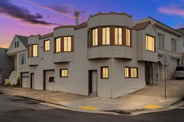 72 Lawrence Avenue, San Francisco, CA 94112
