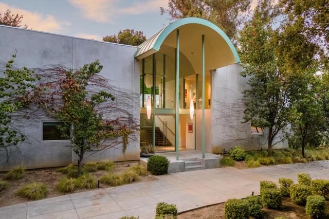 Photo of 1451 S El Molino Avenue, Pasadena, CA 91106