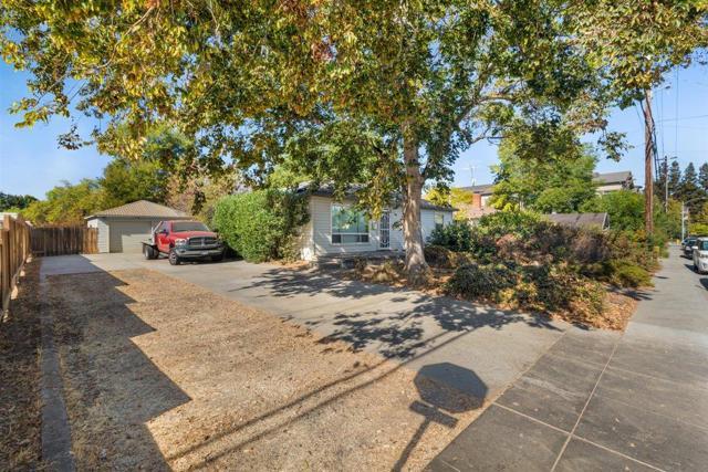 Image 10 of 945 Thornton Way, San Jose, CA 95128