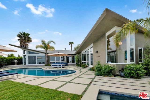 14575 Deervale Place, Sherman Oaks, CA 91403