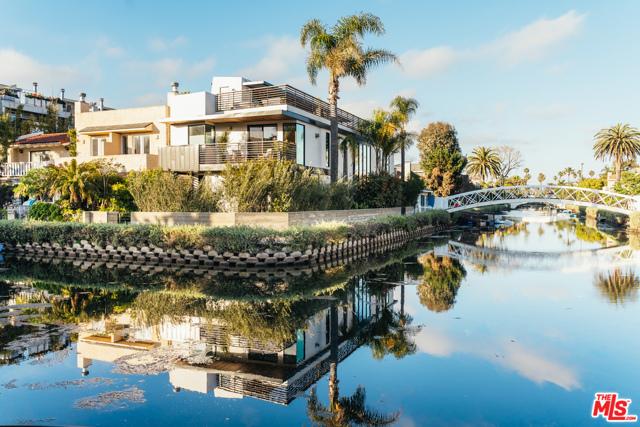 2218 GRAND CANAL, Venice, CA 90291