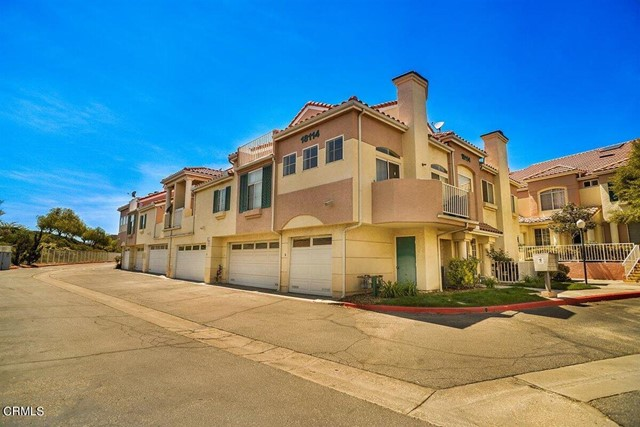 18114 Flynn Dr, Santa Clarita, CA 91387 Photo