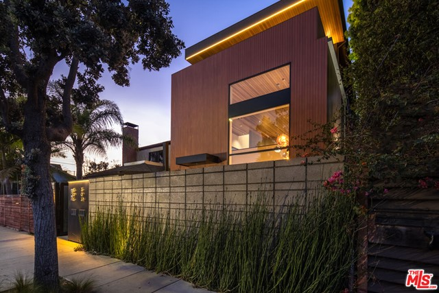 A premiere opportunity in the heart in Venice! This custom architectural duplex w/ designed by Robert Thibodeau of DU Architects is unrivaled, in the heart of Venice. //About this home: Step into this soulful home completed with the utmost attention to detail and finished in 2020. Indulge in every detail as you enter into the main level with soaring windows running the length of the second story, a fabulous chef's kitchen, and meticulously crafted hardware and lighting. You will find admiration in the soaring cedar ceilings, Ann Sacks tile-work, the solid oak herringbone hardwood floors, and Portola Roman Clay Gypsum walls that guide you to the second story while taking in all the artistic details. Upstairs you will be drawn to two spacious bedrooms and a loft/den perfect for your home office! An expansive, luxurious master retreat that encompasses the entire third floor with a cedar sauna and deck with views. //We Love: The spacious, and perfectly finished main house and 2nd unit. This gives you the flexibility to occupy the entire property as your compound, rent both units and use as an investment property,  live in one unit, and rent the other, or live in the main house and use the other unit as your creative haven, or for family and friends. A large 2 car garage and exterior spaces offer ample parking. Seconds to the beach and just off Abbot Kinney, you are in the heart of Venice, there is nothing else like this!