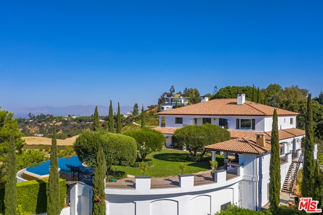 2576 Bowmont Dr, Beverly Hills, CA, 90210