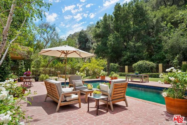 3265 Mandeville Canyon Road, Los Angeles, CA 90049