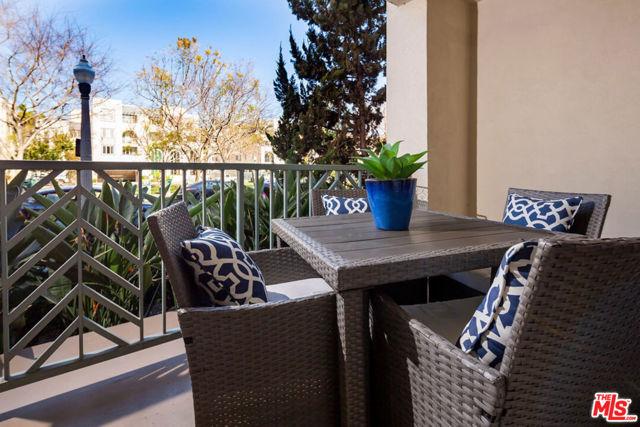5625 W Crescent Pw, Playa Vista, CA 90094 Photo 2