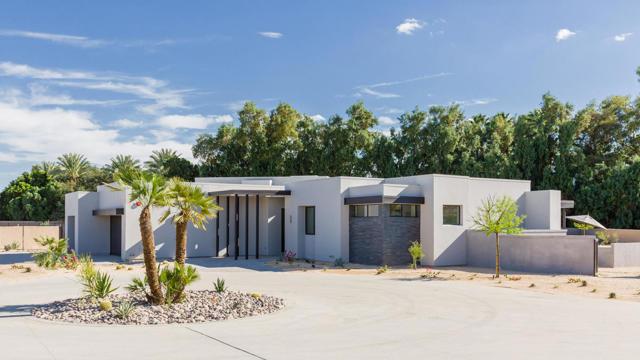 2 Luxus Court, Rancho Mirage, CA 92270