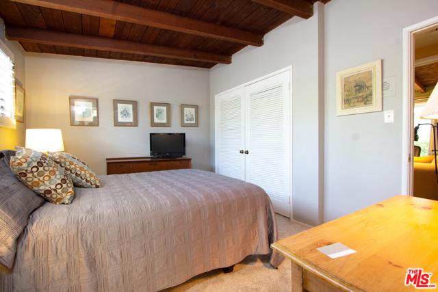545 1ST Street B, Manhattan Beach, California 90266, 1 Bedroom Bedrooms, ,1 BathroomBathrooms,For Rent,1ST,21708240