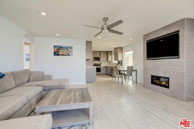 320 Hermosa Avenue 206, Hermosa Beach, CA 90254