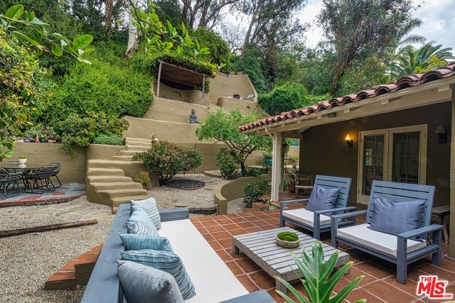 2763 OUTPOST Drive, Los Angeles, CA 90068