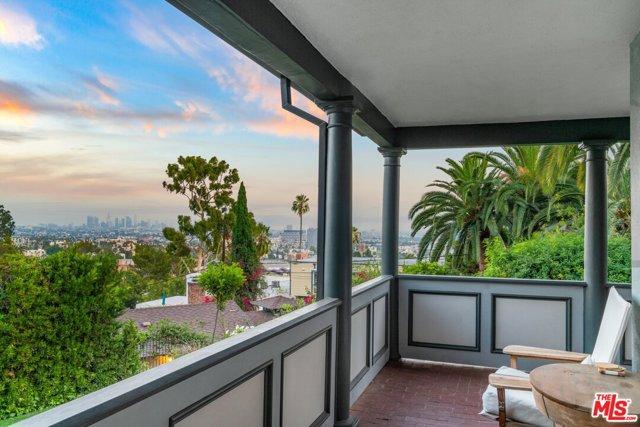 2. 6235 Primrose Avenue Los Angeles, CA 90068