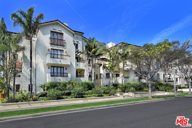 261 S REEVES Drive 102, Beverly Hills, CA 90212