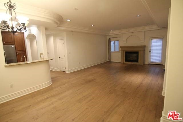 10640 WOODBRIDGE Street 101, Studio City, CA 91602