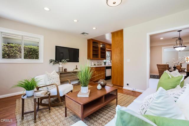 19. 3223 Grandeur Avenue Altadena, CA 91001