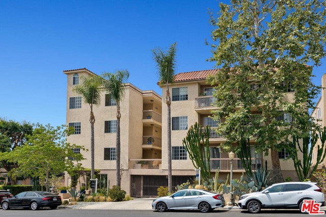 2263 Fox Hills Drive Los Angeles, CA 90064