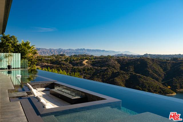2304 Donella Circle, Los Angeles, CA 90077