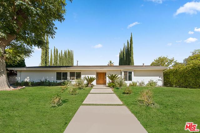 Photo of 24309 Burbank Boulevard, Woodland Hills, CA 91367