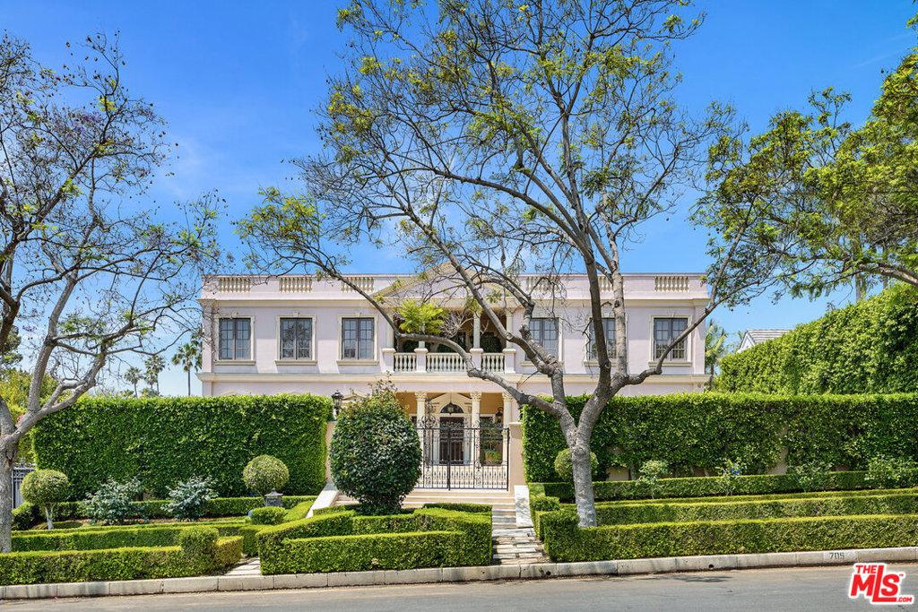Photo of 705 N Alta Drive, Beverly Hills, CA 90210