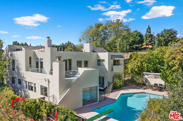 806 Teakwood Road, Los Angeles, CA 90049