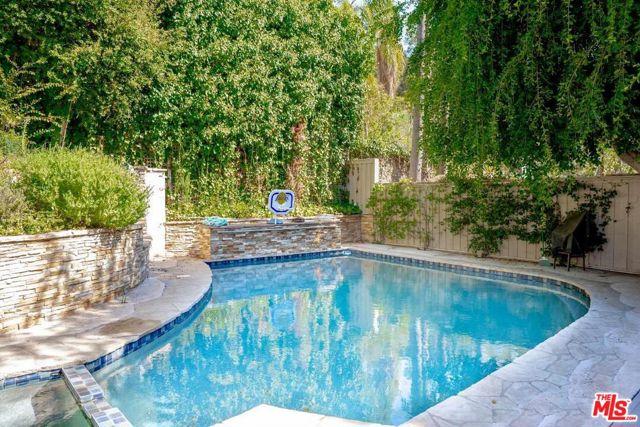 1806 N Beverly Glen Boulevard, Los Angeles, CA 90077