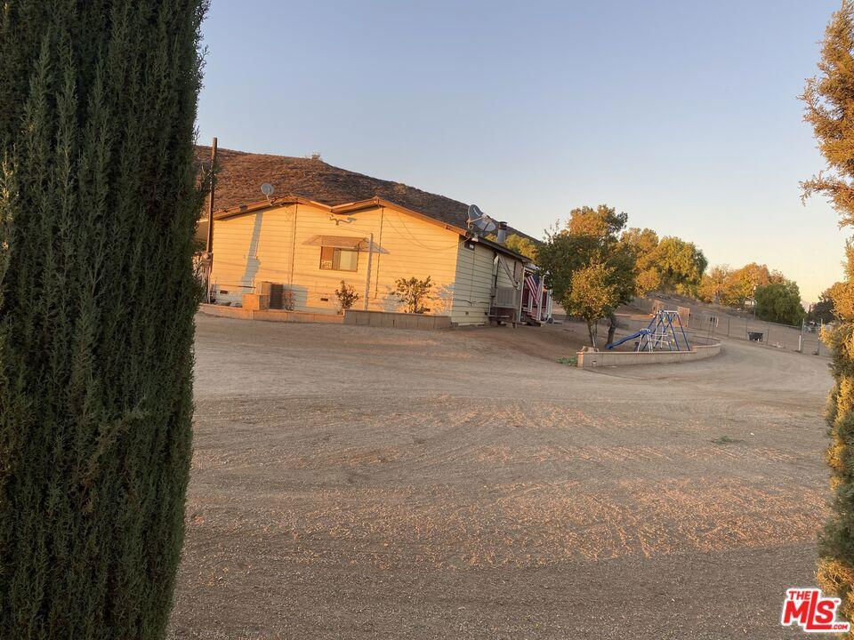 Photo of 31870 Ruft Road, Winchester, CA 92596