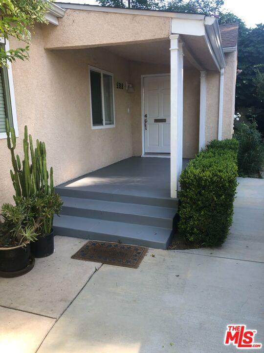 Photo of 5318 Alhama Drive, Woodland Hills, CA 91364
