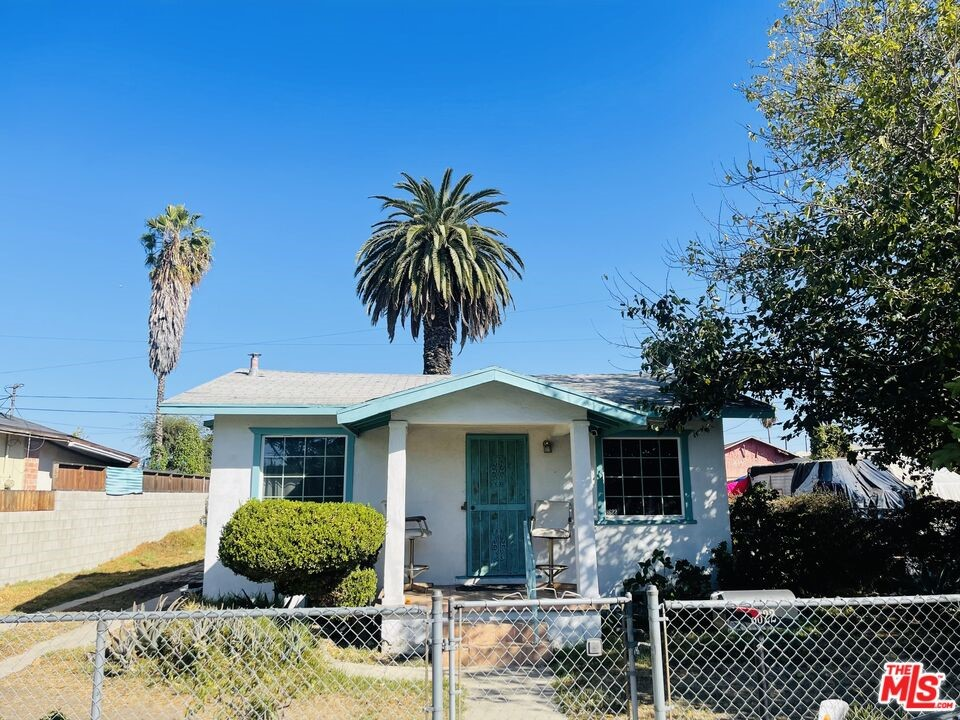 8622     Prince Avenue, Los Angeles CA 90002