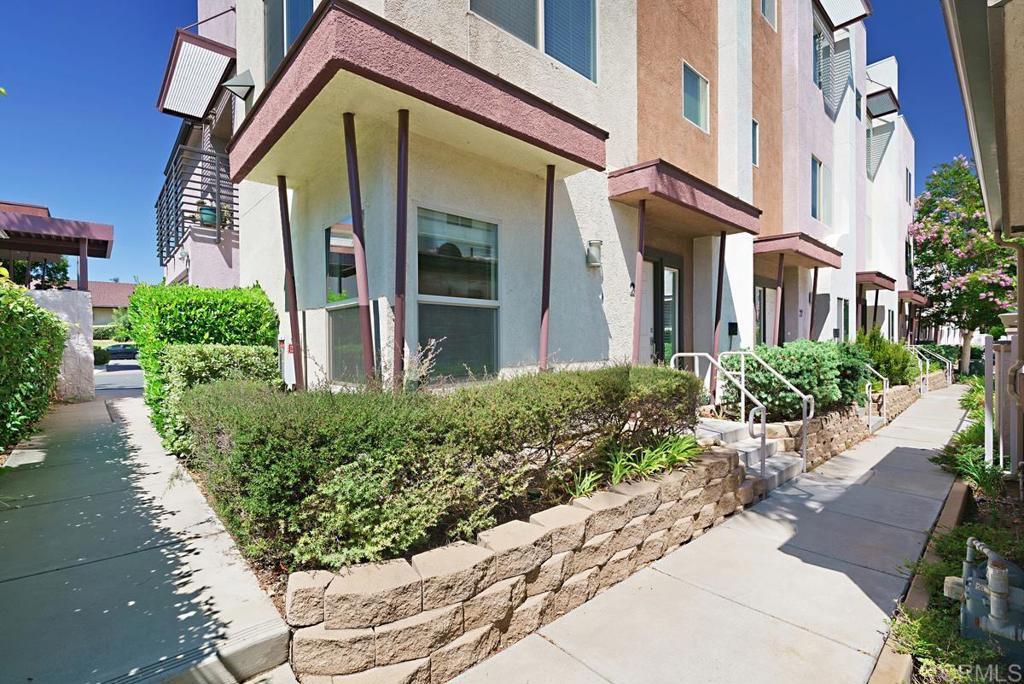 2511 Casata Glen UNIT #28 Escondido, CA 92025
