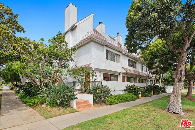Remodeled tri-level townhome in prime Santa Monica. This front corner residence offers 3 bedrooms, 2.5 bathrooms and approximately 1,775 sq ft of living space. Main level features the living room with South-facing balcony, fireplace, built-ins to maximize storage, powder room, dining area, and updated kitchen with stainless steel appliances. Mid-level includes 2 bedrooms with shared bathroom and side-by-side laundry. Third level is dedicated to the primary bedroom suite complete with built-ins, en suite bathroom, ample closet space and a spacious South-facing balcony. Light and bright, side-by-side parking for 2 vehicles and moments from Montana Avenues trendy restaurants, shops and more. This could be your new home!