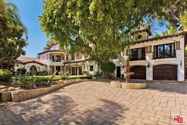 4430 Hayvenhurst Avenue, Encino, CA 91436