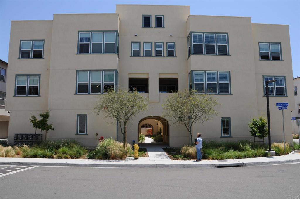 5301     Calle Rockfish     98, San Diego CA 92154