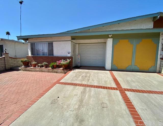 553     Begonia Street, Escondido CA 92027