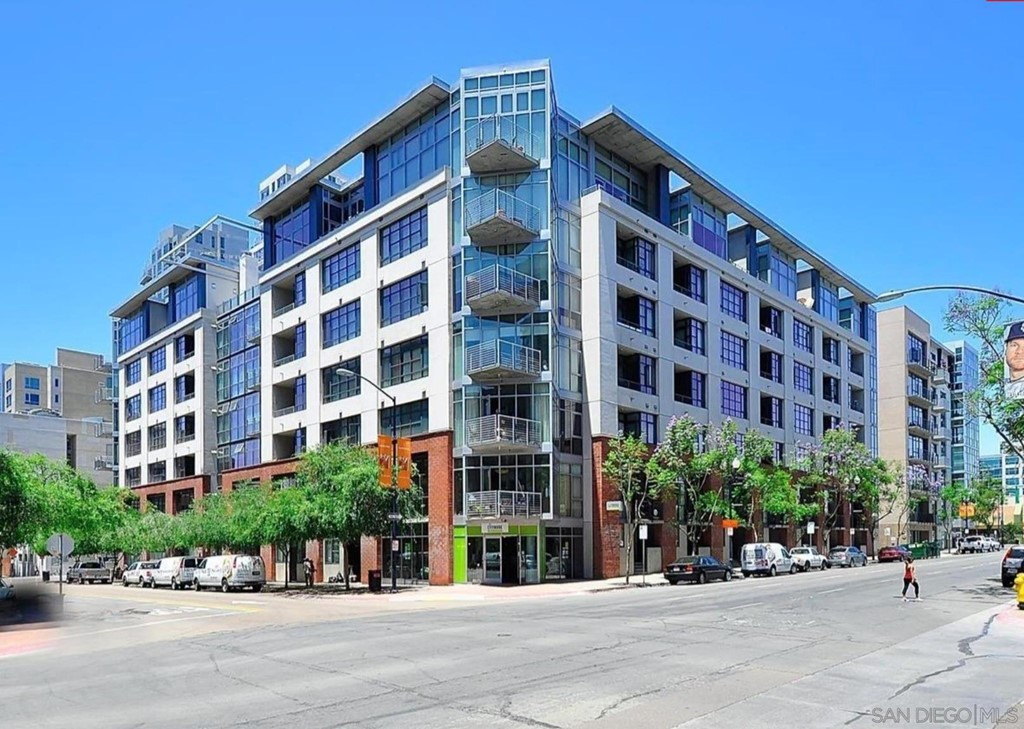1050     Island Ave     425, San Diego CA 92101