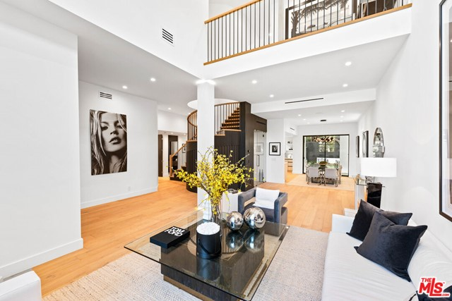 12310 Hillslope Street, Studio City, CA 91604