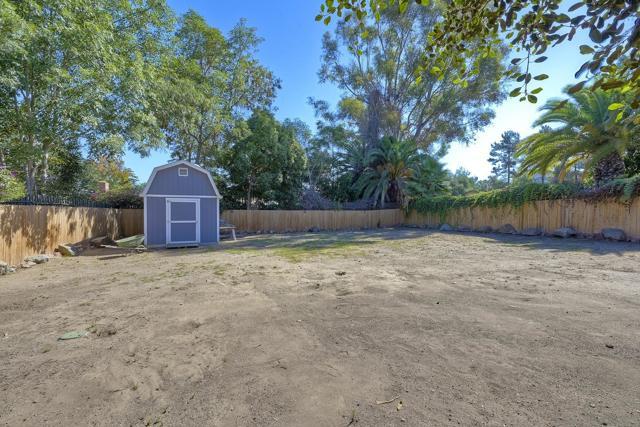 950 Eucalyptus Ave, Vista CA: https://media.crmls.org/mediaz/f45cdc5c-9e39-4ce0-822d-49ecdded25db.jpg