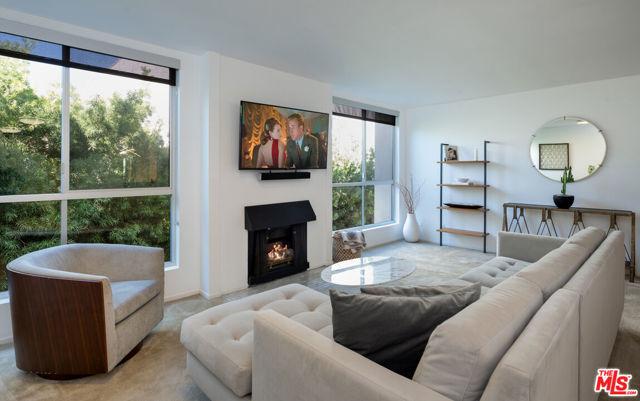 927 N Kings Road 317, West Hollywood, CA 90069